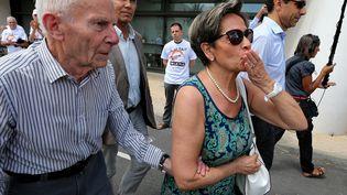 Les parents de Vincent Lambert – Pierre et Viviane Lambert –après une rencontre avec le corps médical à l'hôpital de Reims (Marne), le 23 juillet 2015. (FRANCOIS NASCIMBENI / AFP)