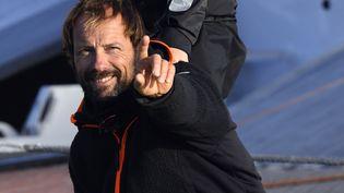 Thomas Coville, ici le 25 décembre 2016, lors de son record historique du tour du monde en solitaire, annonce la construction d'un nouveaubateau pour la course autour du monde 2019. (DAMIEN MEYER / AFP)