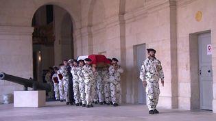 La cérémonie d'hommage national au sergent MaximeBlascoa été très sobre, mercredi 29 septembre, comme l'aurait souhaité le soldat tué au Mali vendredi. (CAPTURE ECRAN FRANCE 3)