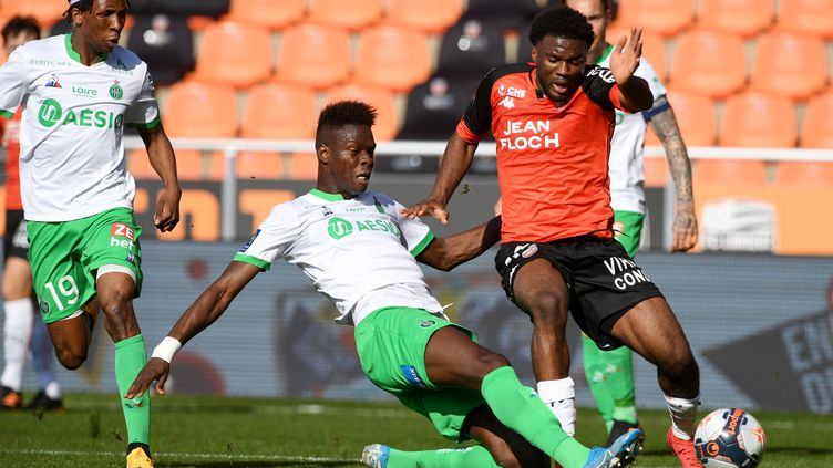 Le Lorientais Terrem Moffi (Nigeria) fait partie des joueurs qui resteront en France lors de la prochaine fenêtre internationale. (FRED TANNEAU / AFP)