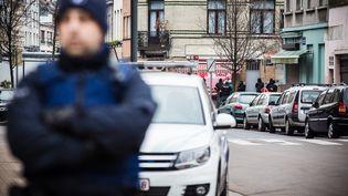 """L'étude publiée, samedi 12 novembre, révèle également que Salah Abdelsam, arrêté en mars 2016 à Molenbeek, a effectué """"quatre trajets allers-retours entre la Belgique et l'Europe centrale"""" pour assembler la cellule des terroristes. (AURORE BELOT / BELGA MAG / AFP)"""
