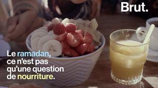 VIDEO. Spiritualité, partage, aide aux plus démunis... C'est quoi le ramadan ? (BRUT)