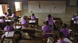 Des lycéens à Lagos, au Nigeria, le 18 janvier 2021. (OLUKAYODE JAIYEOLA / NURPHOTO / AFP)