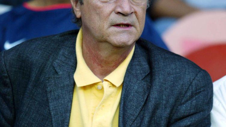 """Christian Blachas, créateur et présentateur de l'émission """"Culture Pub"""", en 2002. (MARTIN BUREAU / AFP)"""