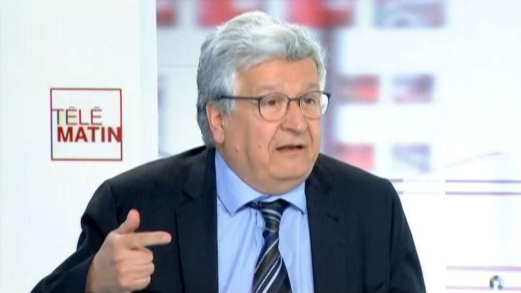 Elie Cohen, économiste à l'OCDE, sur France 2, le 21 avril 2014. (FRANCE 2 / FRANCETV INFO)