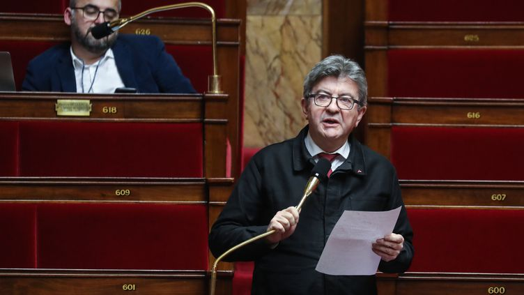 Jean-Luc Mélenchon, le président du groupe La France insoumise à l'Assemblée nationale, le 19 mars 2020 dans l'hémicycle. (LUDOVIC MARIN / AFP)