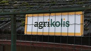 L'application Agrikolis permet aux agriculteurs de transformer leur ferme en relais-colis et ainsi arrondir leurs fins de mois. (FRANCE 3)