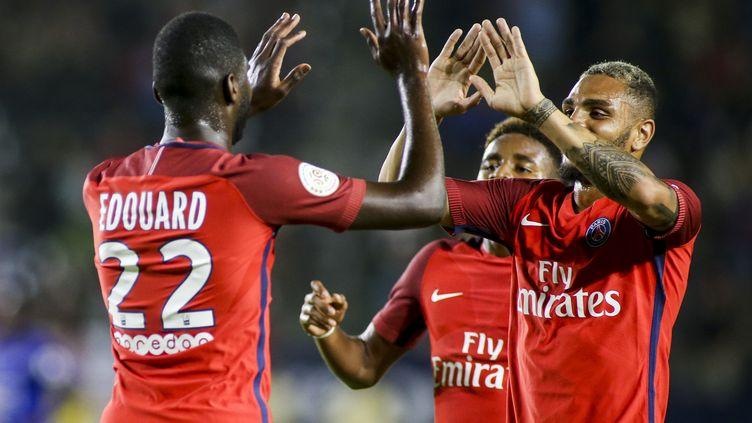 Odsonne Edouard (de dos) célèbre son but en amical contre Leicester.  (RINGO CHIU / AFP)