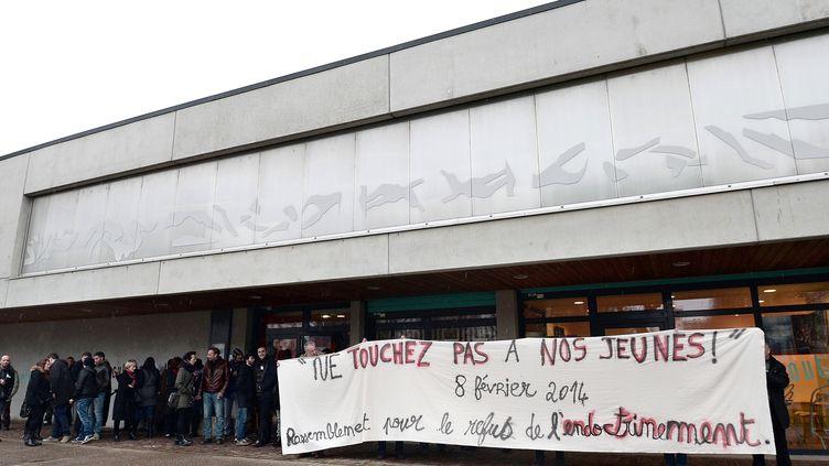 Un rassemblement contre l'endoctrinement des jeunes au jihad, le 8 février 2014 à Strasbourg (Bas-Rhin). (FREDERICK FLORIN / AFP)
