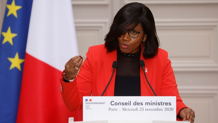 Elisabeth Moreno, la ministre déléguée chargée de l'Egalité entre les femmes et les hommes, de la Diversité et de l'Egalité des chances, à Paris, le 25 novembre 2020. (LUDOVIC MARIN / AFP)