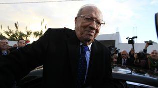 Béji Caïd Essebsi, candidat de l'alliance laïque Nidaa Tounès, lors du second tour de l'élection présidentielle tunisienne, dimanche 21 décembre 2014 à Tunis (Tunisie). (ANIS MILI / REUTERS)