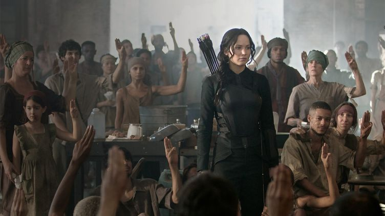 "L'actrice Jennifer Lawrence incarne l'héroïne rebelle de la saga ""Hunger Games"". ( METROPOLITAN FILMEXPORT / LIONSGATE)"