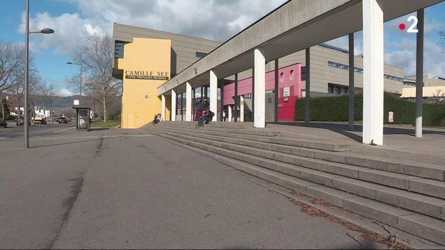 Coronavirus : les établissements scolaires ferment dans le Haut-Rhin et l'Oise