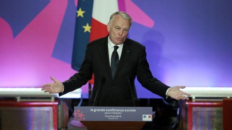 Le Premier ministre, Jean-Marc Ayrault, à l'occasion du discours de clôture de la conférence sociale, à Paris, le 21 juin 2013. (JACQUES DEMARTHON / AFP)