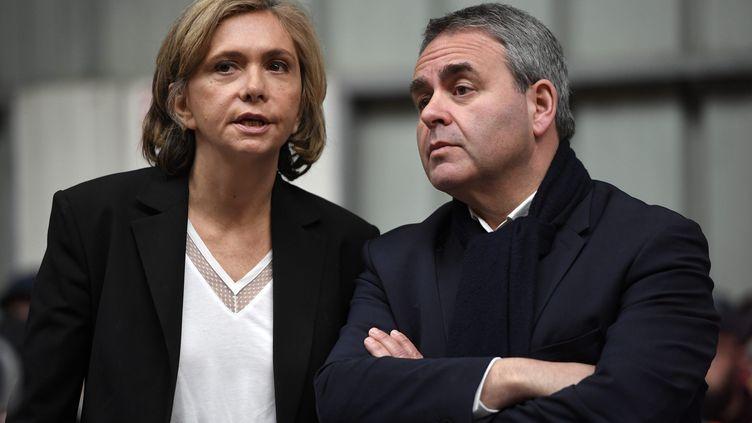 Valérie Pécresse et Xavier Bertrand en visite sur un site d'Alstom, à Valenciennes (Nord), le 19 février 2019. (MAXPPP)