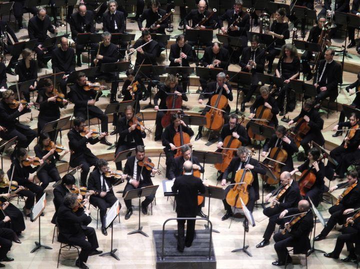 L'orchestre en amphithéâtre.  (Lorenzo Ciavarini Azzi/Culturebox)