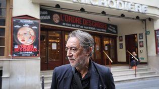 L'acteur Richard Berry devant le théâtre de la Michodière, à Paris, le 6 septembre 2018. (MAXPPP)