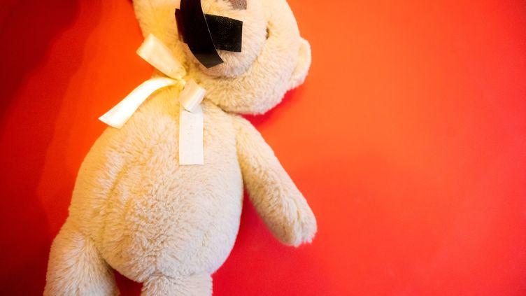 La Commission inceste lance le 21 septembre 2021 une plateforme téléphonique pour recueillir la parole des victimes de violences sexuelles dans l'enfance. (SANDRINE MARTY / HANS LUCAS / AFP)