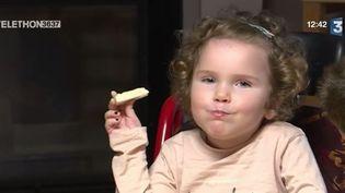 Téléthon : le quotidien d'Eugénie, atteinte d'amyotrophie spinale (FRANCE 3)