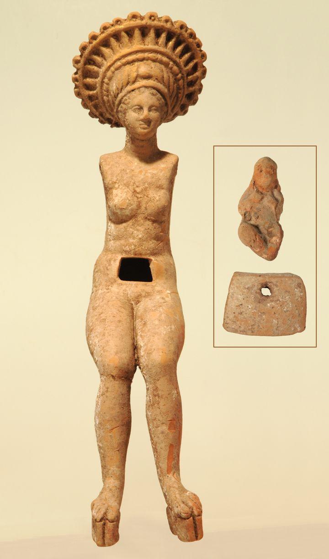 Figurine articulée assise de femme enceinte avec une figurine de bébé miniature Myrina, Asie mineure - Ier s. av. J.-C. Terre cuite (Martin von Wagner Museum der Universität Würzburg / P. Neckermann)