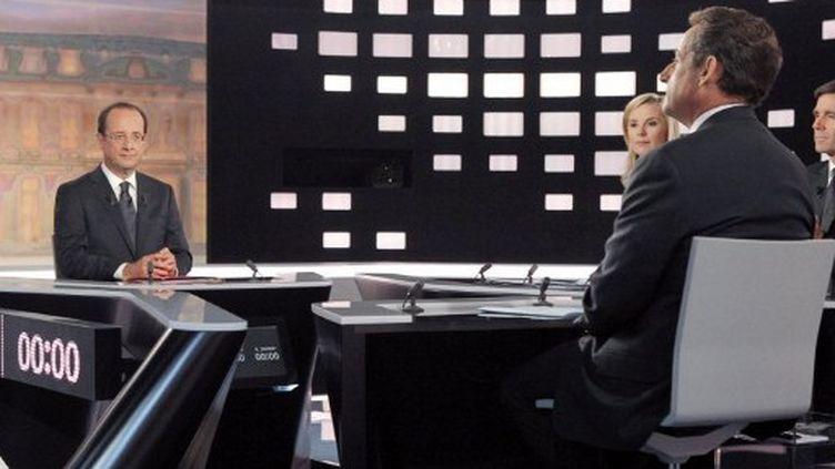 Le plateau du débat entre François Hollande et Nicolas Sarkozy (PATRICK KOVARIK / POOL / AFP)