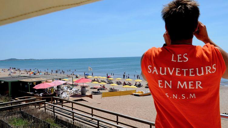 Un poste de sauvetage à Béziers (Hérault), le 18 juillet 2012. (PHOTO PQR / LE MIDI LIBRE)