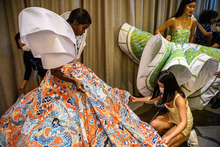 """Harmony """"Anne-Marie"""" Ilunga, mannequin congolais qui lutte contre les canons de beauté asiatiques à Hong kong, le 6 novembre 2020 (ANTHONY WALLACE / AFP)"""