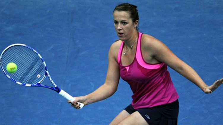 Anastasia Pavlyuchenkova effectue un coup droit