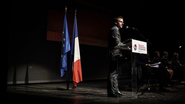 Emmanuel Macron lors d'un discours à Lyon, le 13 octobre 2015. (JEFF PACHOUD / AFP)
