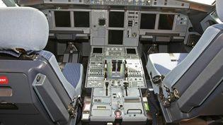Le cockpit d'un A320 de la compagnie JetBlue, le 12 juin 2009, à Salt Lake City (Utah, Etats-Unis). (  MAXPPP)
