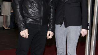 David Hallyday et Laura Smet, le 23 janvier 2010, à Cannes (Alpes-Maritimes). (BRUNO BEBERT / EPA)