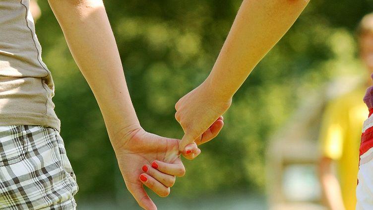 """Le séminaire """"Restauration et formation de vie"""" vise à retrouver """"de saines amitiés avec les personnes du même sexe"""". (SOLA DEO GLORIA / GETTY IMAGES)"""