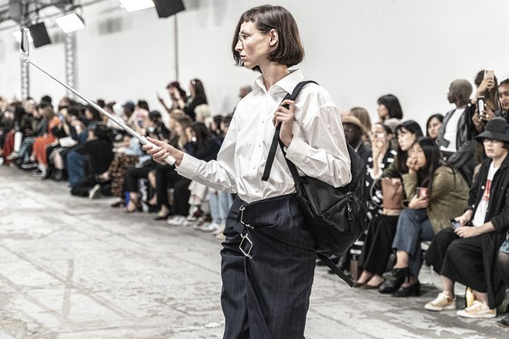 Défilé Kimhekim printemps-été 2020, à la Paris Fashion Week, le 23 septembre 2019 (CINDY VOITUS / HANS LUCAS)