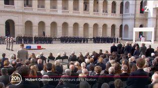 Aux Invalides, à Paris, une cérémonie en mémoire d'Hubert Germain, dernier Compagnon de la Libération, s'est tenue, vendredi 15 octobre. Son corps reposera dans la crypte du Mont-Valérien (Hauts-de-Seine). (CAPTURE ECRAN FRANCE 2)