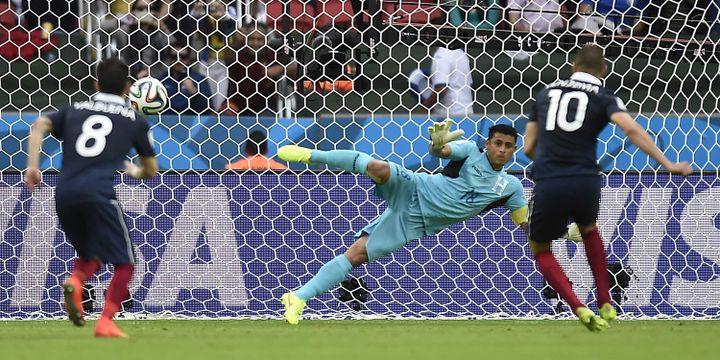 Le penalty victorieux de Benzema à la 42e minute