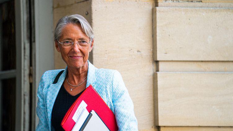 La ministre du Travail Elisabeth Borne, à Matignon (Paris), le 13 septembre 2021. (XOSE BOUZAS / HANS LUCAS / AFP)