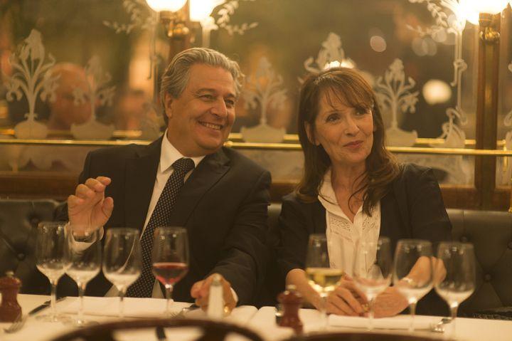 """Christian Clavier et Chantal Lauby, dans """"Qu'est-ce qu'on a fait au bon dieu ?"""", de Philippe de Chauveron, sorti en 2014. (ARNAUD BORREL / UGC DISTRIBUTION)"""