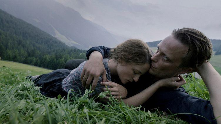 L'actrice autrichienne Valerie Pachner et l'acteur allemand August Diehl dans Une vies cachée du réalisateur américain Terrence Malick (Copyright iris productions)