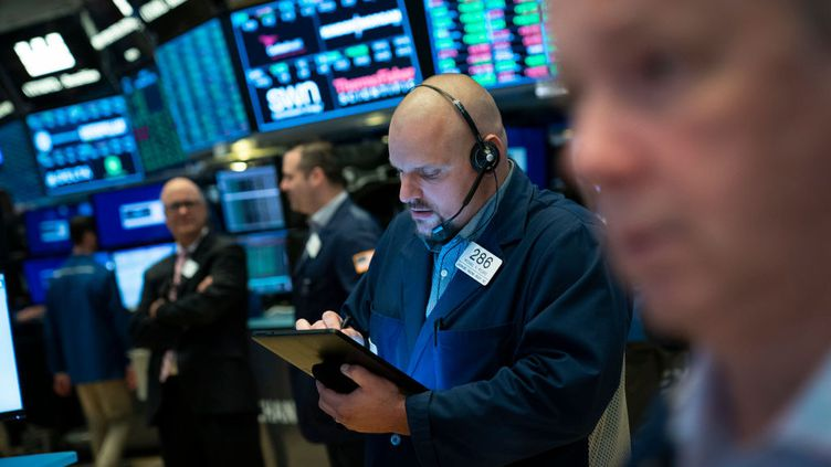 3 juillet 2019. Des courtiers à l'ouverture de la Bourse de New York (New York Stock Exchange).  (GETTY IMAGES)