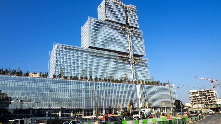 Le chantier de la nouvelle cité judiciaire, dans le XVIIe arronissement de Paris, ici en octobre 2016, n'est pas terminé, mais le déménagement des policiers a commencé. (MAXPPP)