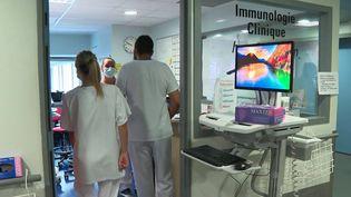 Pass sanitaire : à Strasbourg, l'hôpital se réorganise avec l'obligation vaccinale des soignants (France 3)