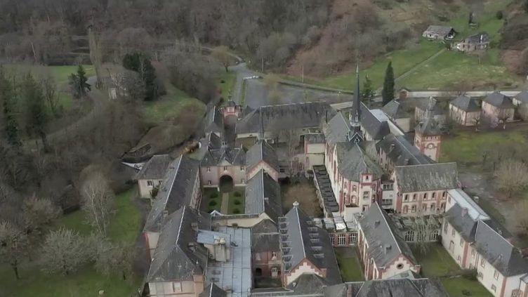 À Beyssac en Corrèze, la Chartreuse du Glandier a finalement trouvé un nouveau propriétaire. (FRANCE 2)