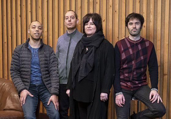 """Donald Kontomanou (batterie), Yoni Zelnik (contrebasse), Géraldine Laurent (saxophone, composition) et Paul Lay (piano) : le quartet de """"Cooking"""" (Anthony Voisin)"""