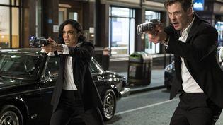 Chris Hemsworth (agent H) et Tessa Thompson (agent M) forment le nouveau duo de Men in Black : International (Sony Pictures Releasing France)