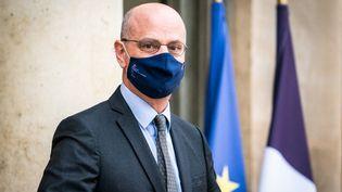 Le ministre de l'Education nationale quitte l'Elysée, le 13 janvier 2021. (XOS? BOUZAS / HANS LUCAS / AFP)