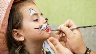 Des substances toxiques ont été relevées, par l'UFC-Que Choisir, dans du maquillage pour enfant, le 3 mars 2014. (STEFAN CIOATA / FLICKR / GETTY IMAGES)