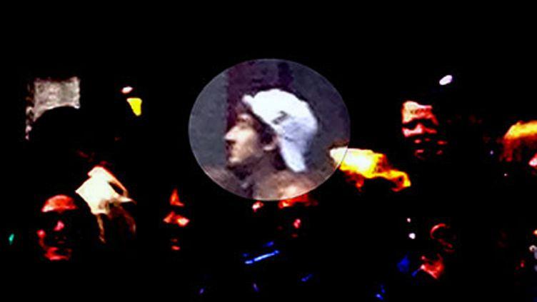 L'image du suspect à la casquette blanche diffusée par le FBI jeudi 18 avril 2013. (AFP / FBI)