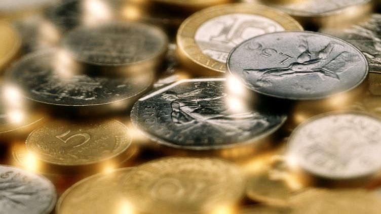 Les francs ne seront plus échangeables à partir du 17 février 2012. (CHRISTIAN ZACHARIASEN / AFP)
