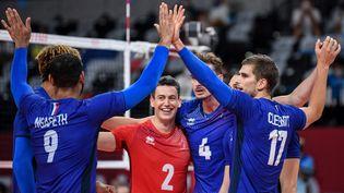 Les volleyeurs français sont qualifiés pour la finale du tournoi olympique. (YURI CORTEZ / AFP)