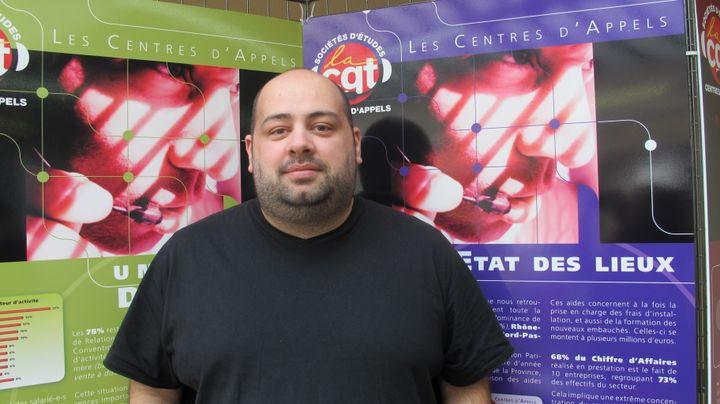 Tony Souaillat, salarié d'un centre d'appels en Meurthe-et-Moselle et délégué syndical. (MYRIAM LEMÉTAYER)